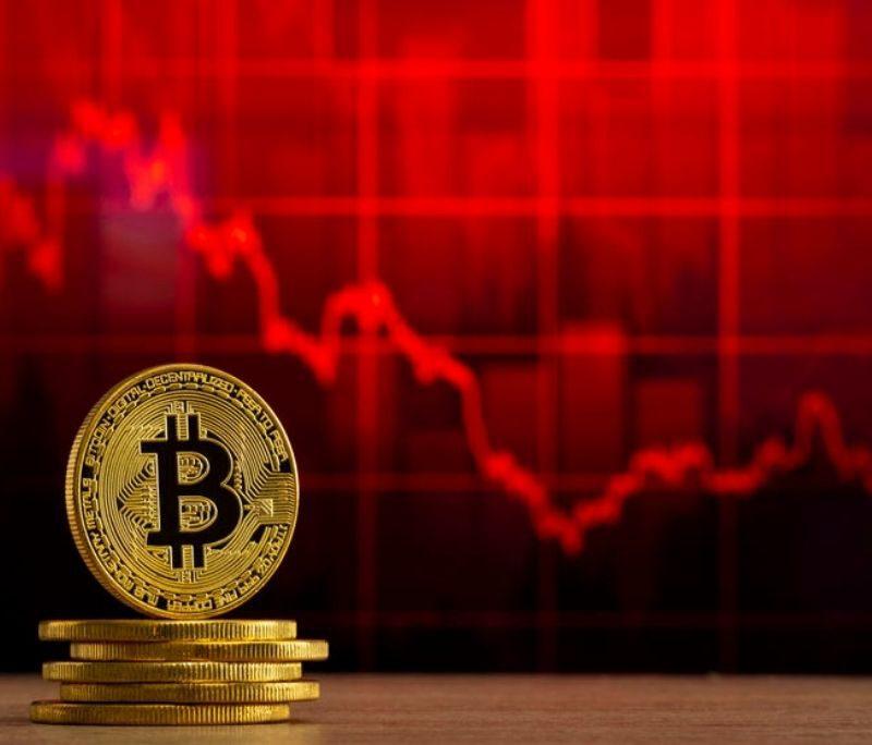 Bitcoin en altcoins diep in het rood, $7,6 miljard geliquideerd in 1 uur